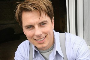 That's right bitches, two Barrowman pics in a row- deal with it.